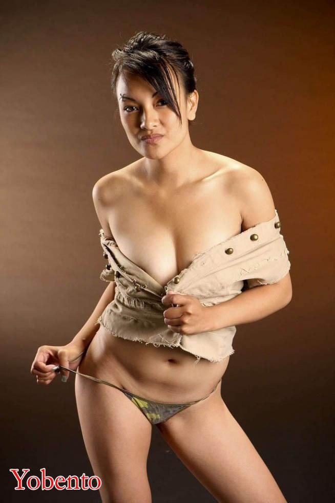 foto seksi cewek malaysia artis montok cantik foto syur