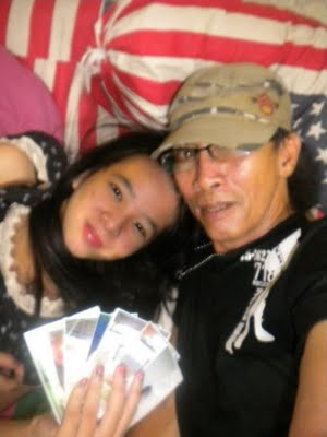 foto+cowok+jelek+dan+cewek+cantik+17 Foto HOT Skandal ABG Dengan Om Om